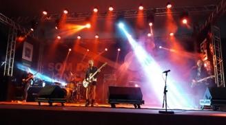 91173d82cf Esporte Ágil Som da Concha foi de rock autoral no domingo de Dia das ...